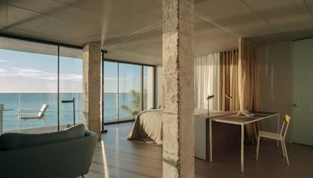Життя на березі океану: дизайн іспанської квартири на узбережжі – фото