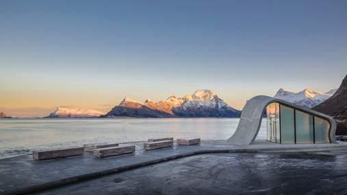 Как выглядит туалет, из которого можно любоваться полярным сиянием