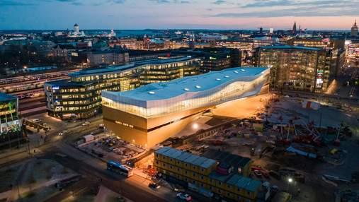 Книжный рай: чем снаружи и внутри поражает здание центральной библиотеки Хельсинки