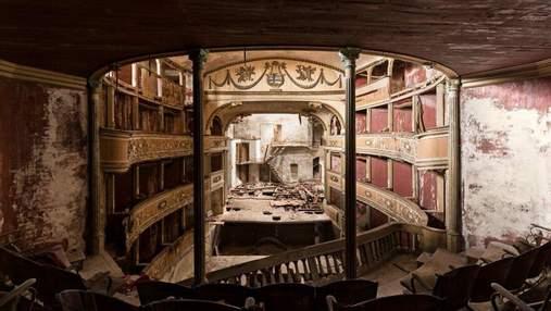 Покинутое величие: роскошные интерьеры заброшенных театров из разных стран – фото