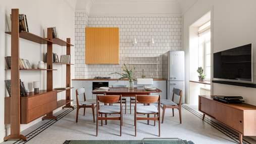 Высокие потолки и цветные акценты: как выглядит квартира на Золотых воротах – фото