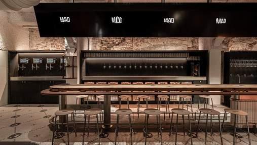 Інтер'єр 6-поверхового бару у Львові, який варто побачити на власні очі: фото