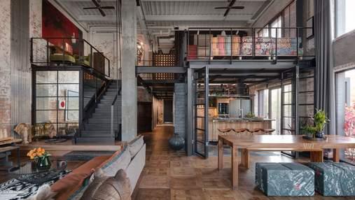 Антикваріат і лофт: як виглядає квартира дизайнерів у Києві із видом на річку – фото