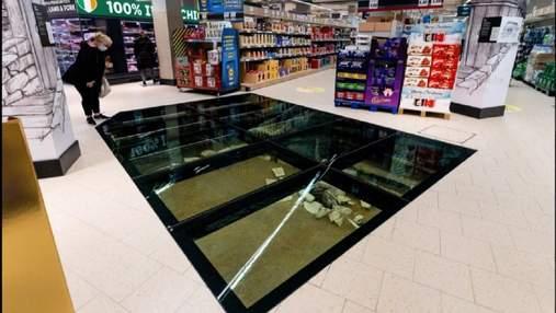 Тысячелетние развалины под стеклянным полом в сети супермаркетов Lidl: фото