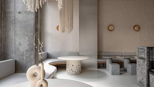 Глиняные стены, бетон и металл: интерьер стильного ресторана в Киеве от Yakusha Design – фото