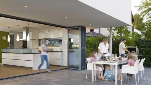 Вітальня на терасі: 20 літніх варіантів для приватних будинків  – підбірка фото