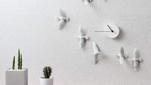 Настінний годинник з птахами, який стане окрасою будь-якого інтер'єру: фото