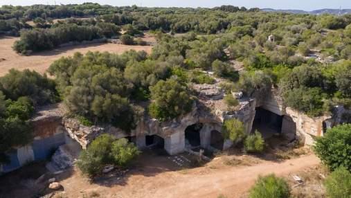 Авангардная архитектура: как выглядит интерьер пещерного дома