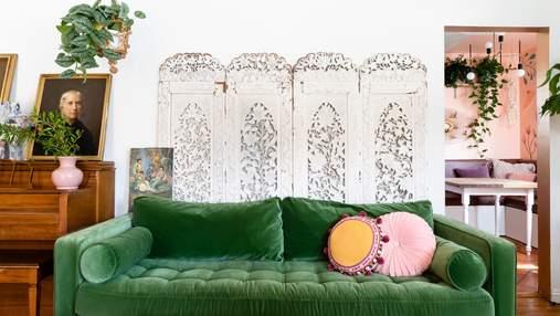 Мистецтво та вінтаж: як легко та стильно заповнити простір над диваном
