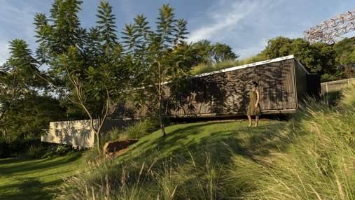 Інноваційні рішення та максимум простору: як виглядає дім без стін та декору