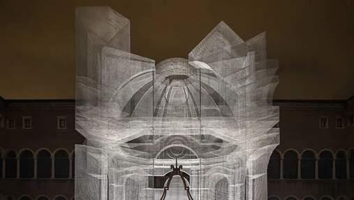 Современная античность: в Равенне завершили призрачную гробницу Данте – она завораживает